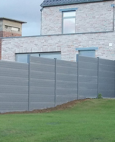Create a complete fence with gravel boards.